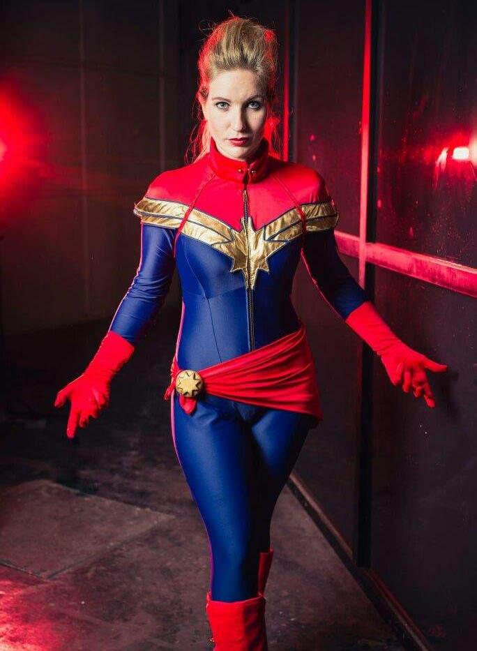 comics captain marvel cosplay